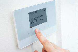Lux Products TX9600TS Programmable Touch Screen Thermostat Review
